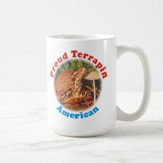 Taza orgullosa del americano de la tortuga acuátic