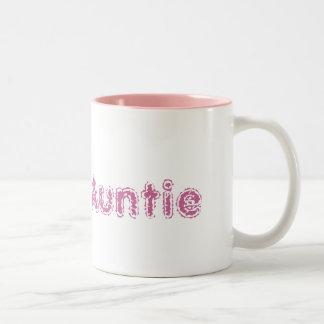 Taza orgullosa rosada de la tía