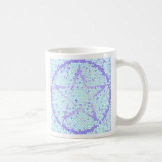 Taza pagana de Wiccan del pentáculo del mosaico de