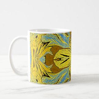 Taza pajiza de oro del diseño del arte abstracto