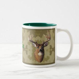 Taza personalizada de los ciervos de Camo
