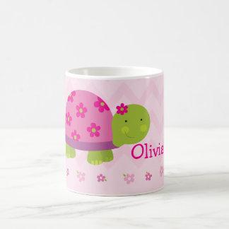 Taza personalizada rosa lindo de la tortuga para