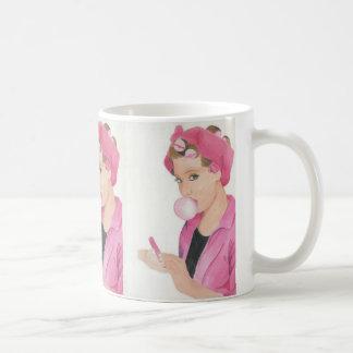 Taza pintada a mano de la taza de la señora rosada