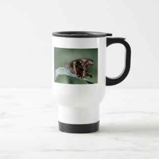 Taza plástica del viaje de la mariposa gigante de