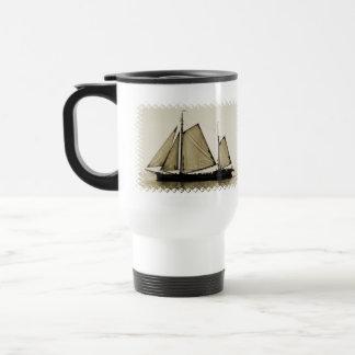 Taza plástica del viaje de la nave alta