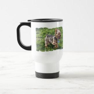 Taza plástica del viaje del perro de York Terrier
