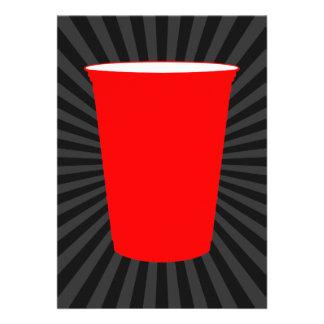 taza plástica roja