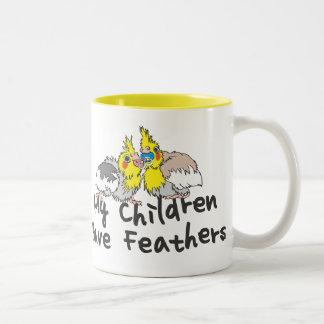 Taza plumosa de los niños