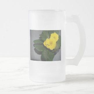 taza preciosa de la primavera