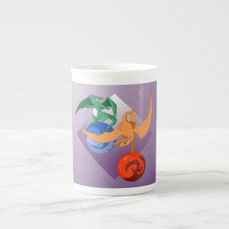 Taza púrpura de China del circo del dragón Taza De Porcelana