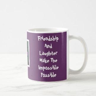 Taza púrpura de la amistad del iris