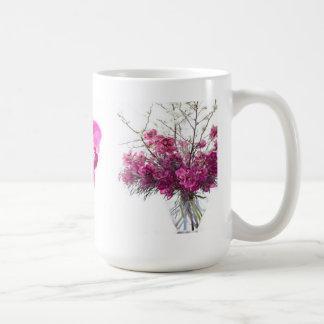 Taza púrpura de las orquídeas del tigre