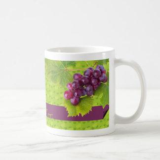 Taza púrpura de las uvas