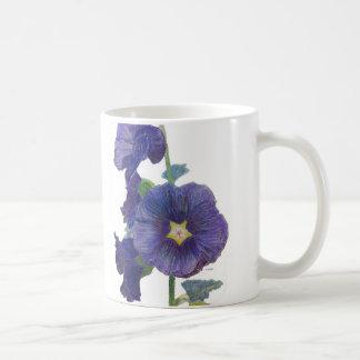 Taza púrpura de los Hollyhocks