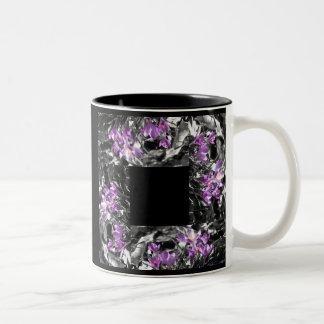 Taza púrpura del modelo