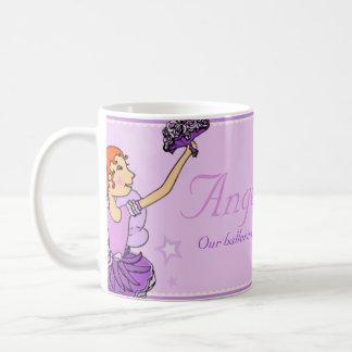 Taza púrpura y roja de la princesa de la bailarina
