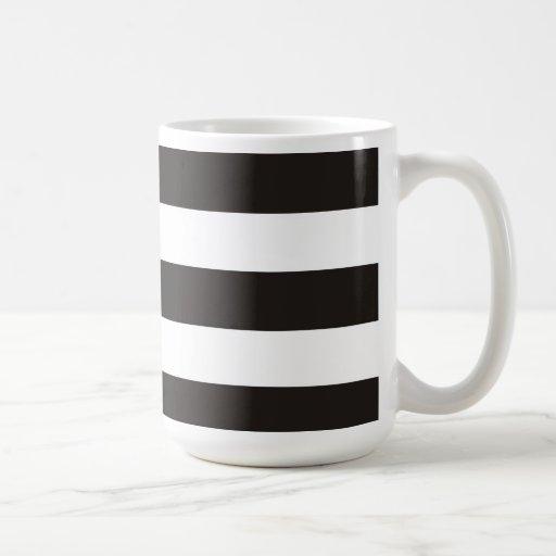 Taza rayada raya blanco y negro del bloque del