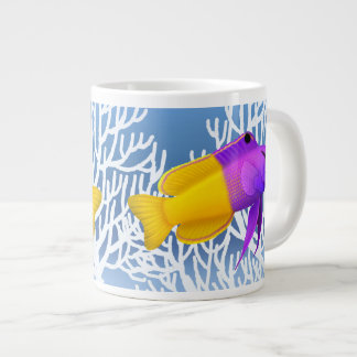Taza real de la especialidad de los pescados del taza grande