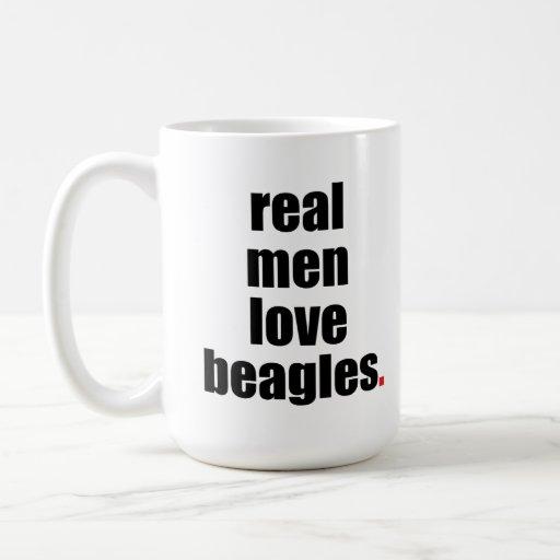 Taza real de los beagles del amor de los hombres