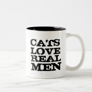 Taza real de los hombres del amor de los gatos