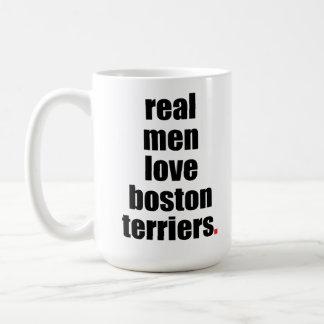 Taza real de los terrieres de Boston del amor de