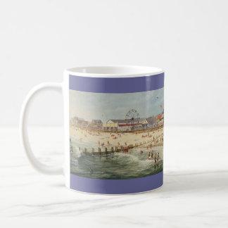 "Taza ""Rehoboth de la playa vieja"" de Paul McGehee"