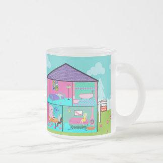 Taza retra del vidrio esmerilado de la casa ideal