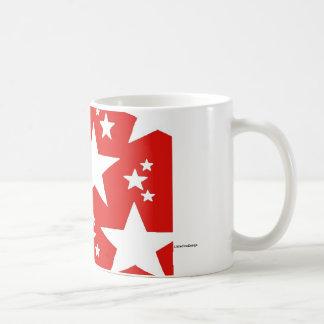 Taza roja de la estrella