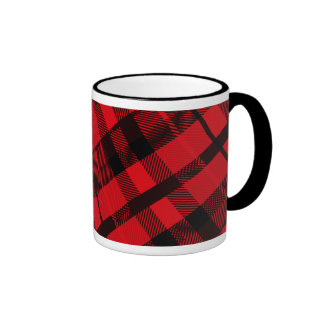 Taza roja de la tela escocesa