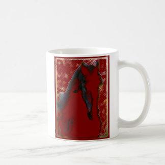 Taza roja del caballo del resplandor