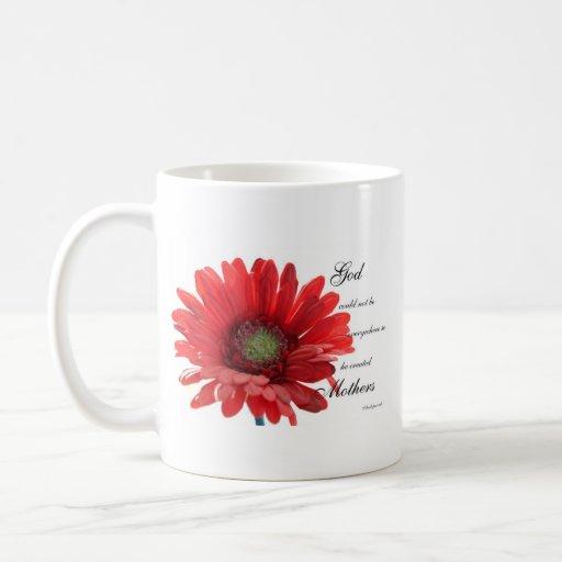 Taza roja especial de la flor de la margarita de