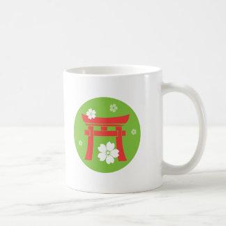 Taza roja y verde de Torii