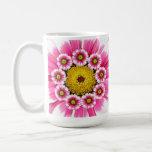 Taza rosada de la flor
