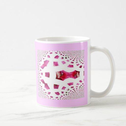 Taza rosada de la imagen del fractal del cordón