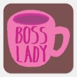 Taza rosada de la señora café de Boss Calcomanías Cuadradases