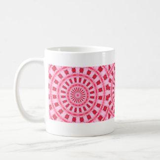 taza rosada de las flores del caleidoscopio