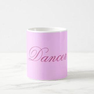 Taza rosada del bailarín