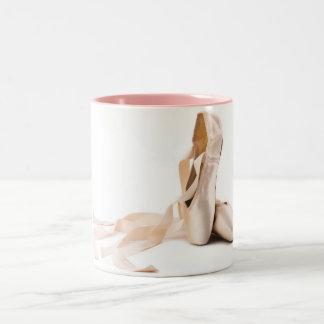 Taza rosada del ballet