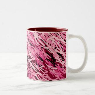 Taza rosada del camuflaje