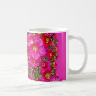 Taza rosada del jardín de los Hollyhocks por SHARL