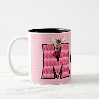 """Taza rosada del monograma """"M"""" de los alces del"""
