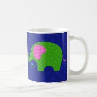 Taza rosada y verde de muy buen gusto y linda de