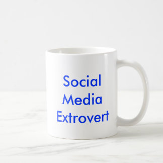 Taza social del Extrovert de los medios
