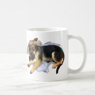 Taza soñolienta de Coffe del pastor alemán