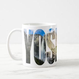 Taza superior de las cataratas de Yosemite y del