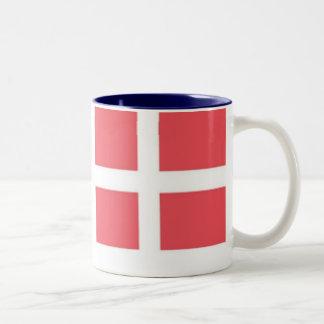 Taza TwoTone de la bandera danesa