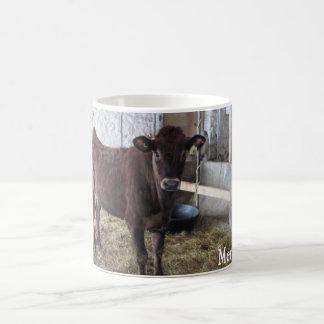 Taza valerosa joven de la vaca