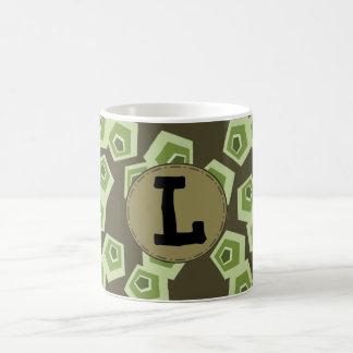 Taza verde de la letra de Pentágono