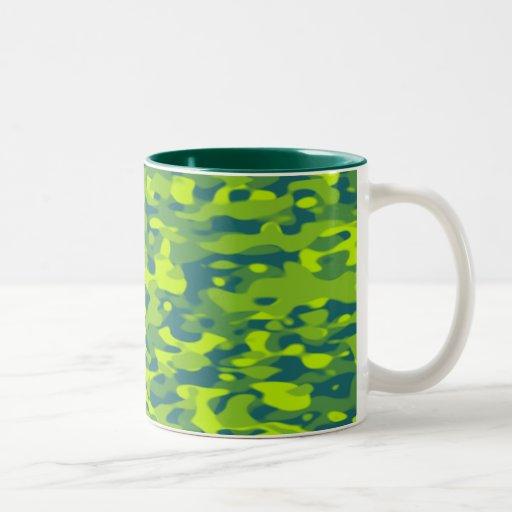 Taza verde del camuflaje