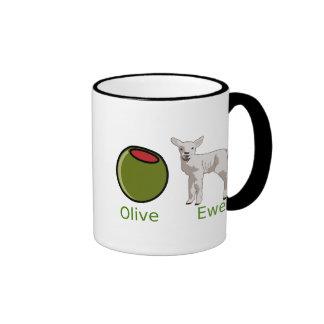 Taza verde oliva de la oveja